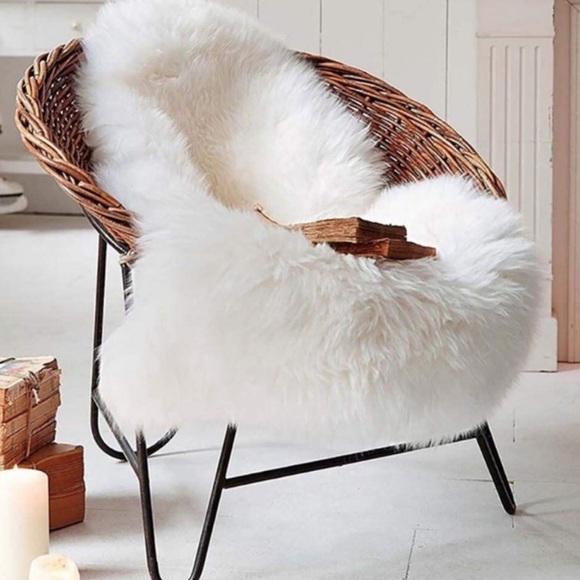 💕Luxury Soft Faux Sheepskin Area Rugs for Bedroom